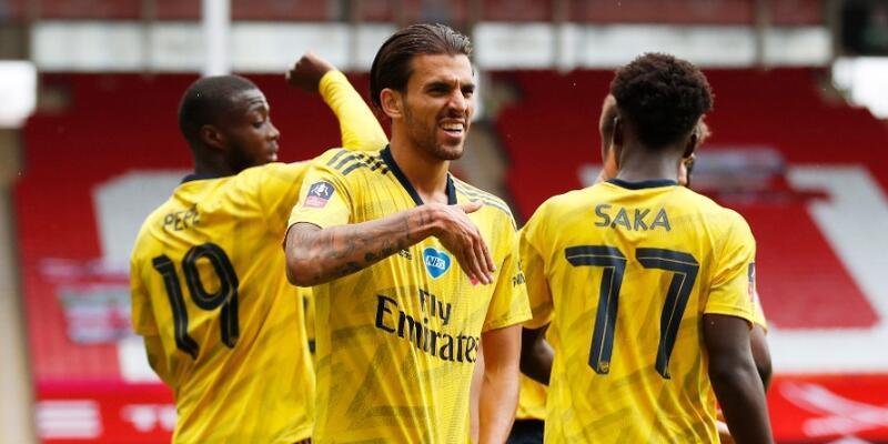 Arsenal FA Cup'ta yarı finalde