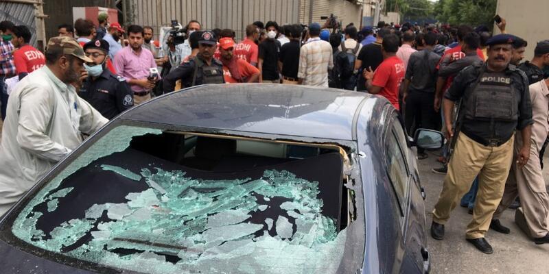 Son dakika... Pakistan Borsası'nın binasına silahlı saldırı: 6 ölü