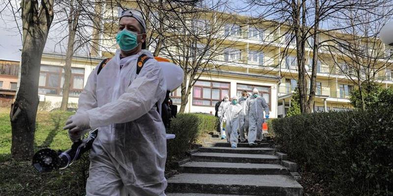 Balkanlar'da koronavirüs alarmı! Tedbirler geri getirildi