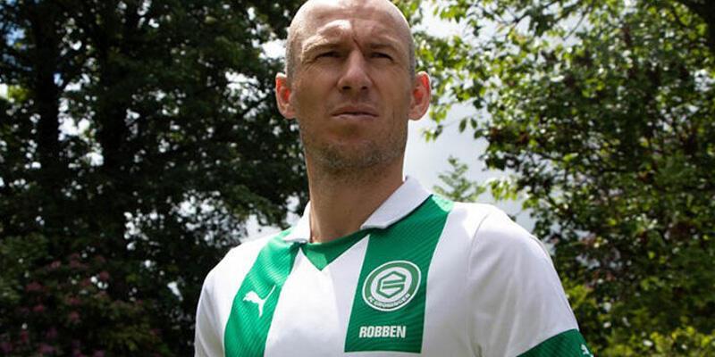 Eşi istedi, Robben futbola döndü