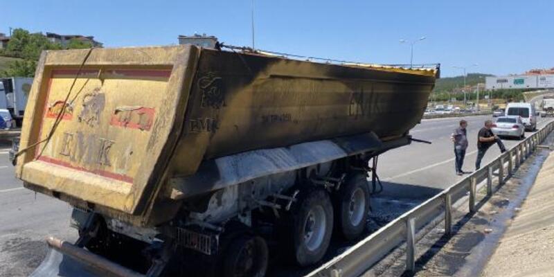 Hafriyat kamyonu yandı