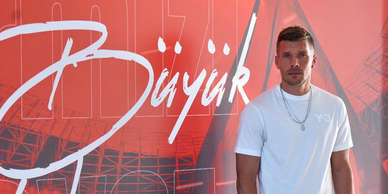 Podolski'den Max Kruse açıklaması