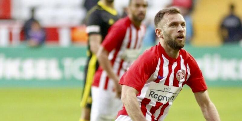 Hakan Özmert'e 3 maç ceza