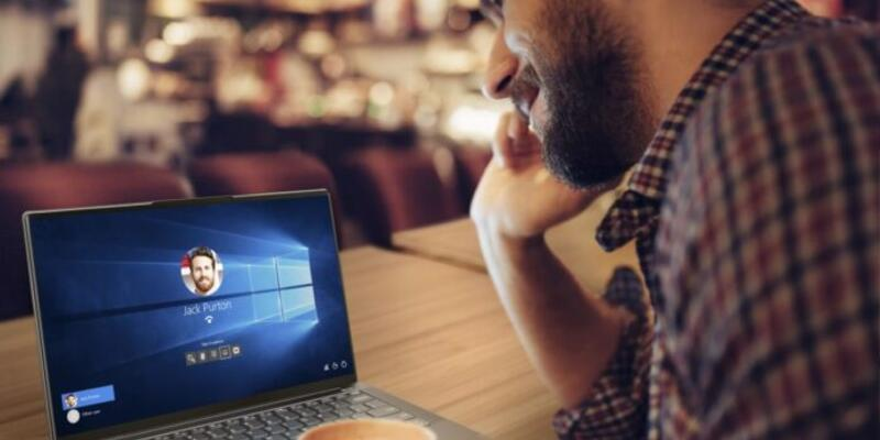 Lenovo Yoga S940 bakışınızla oturum açıyor