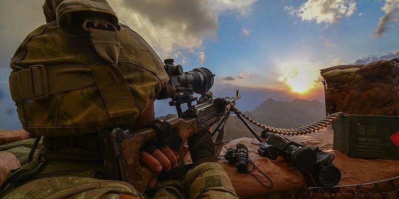 Son dakika! Hakkari'de hava destekli operasyon! 2 terörist öldürüldü!