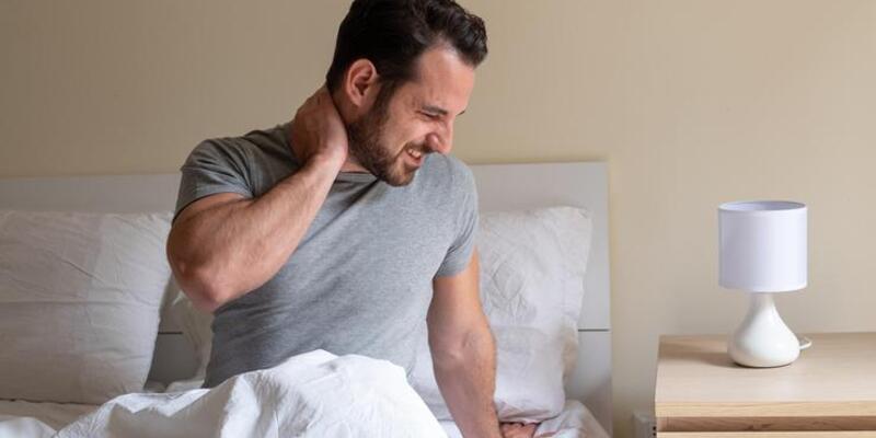 Boyunda kas spazmı neden olur?