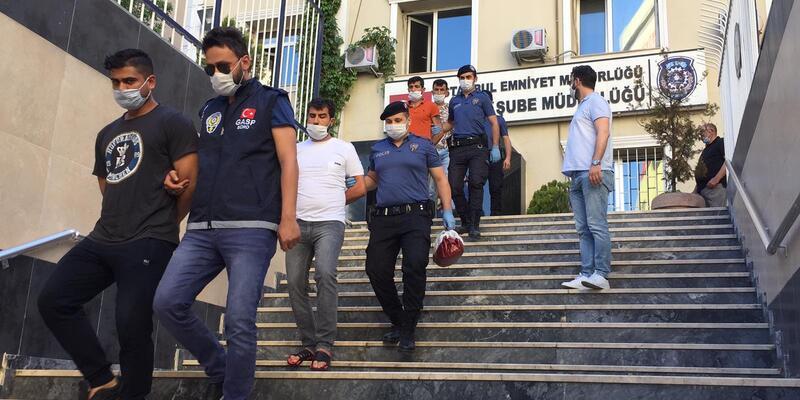 Son dakika... Mekan sahiplerine zorla senet imzalatarak iş yerlerini devralmaya çalışan 12 şüpheli yakalandı