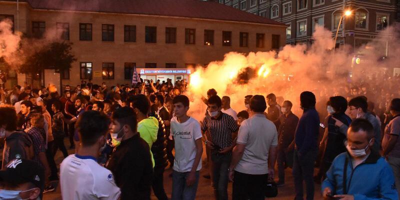 Erzurum'da taraftarlar sokaklara döküldü