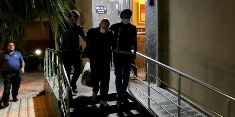 İzmir'de FETÖ'nün hücre evlerine operasyon: 25 kişi gözaltına alındı