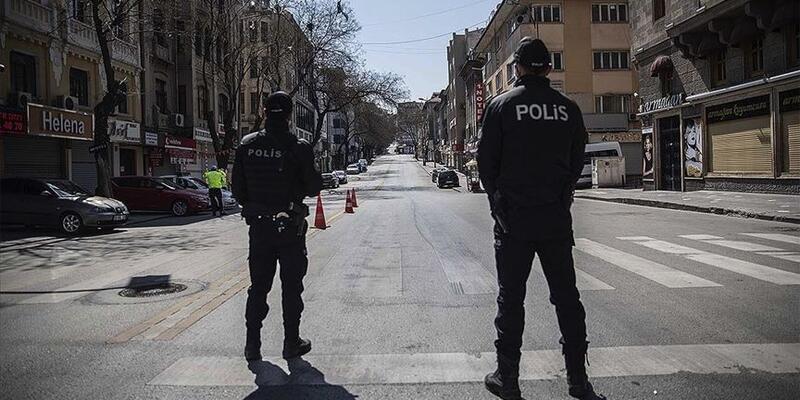 Son dakika... Bilim Kurulu Üyesi Turan: Bayramda sokağa çıkma kısıtlaması gündemimizde yok