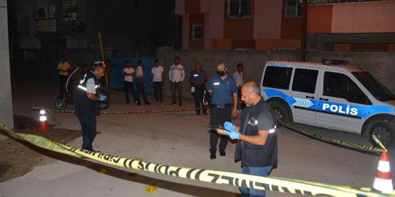 Evinin önünde silahlı saldırıda yaralandı