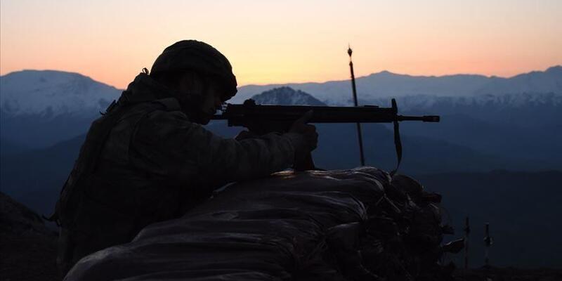 Son dakika... Zeytin Dalı bölgesinde 2 PKK/YPG'li terörist yakalandı