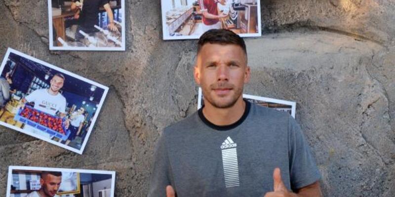 Lukas Podolski'den dondurma ikramı