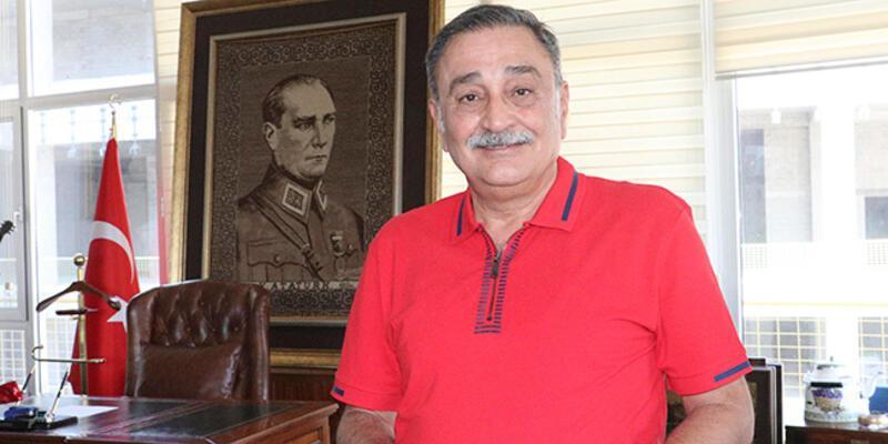 CHP eski milletvekili Sinan Aygün:  Ayasofya için bu el öpülür