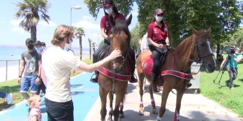 Atlı polislerden Florya sahilinde denetim