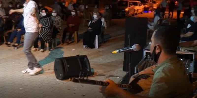 Düğün müzisyenlerinden şarkılı 'koronavirüs' uyarısı