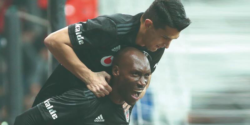 Son dakika... Atiba 1 yıl daha Beşiktaş'ta!