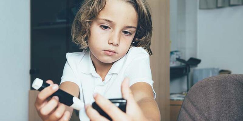 Uzmanlardan diyabetli çocuk ebeveynlerine uyarı