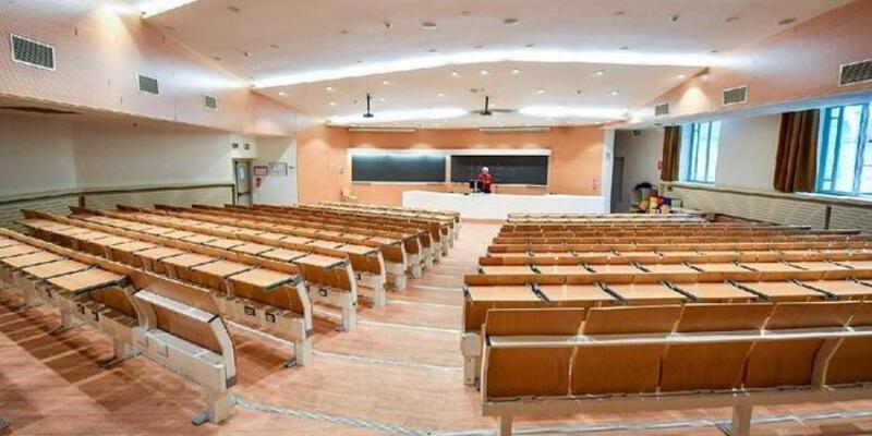 Üniversiteler açılacak mı 2020- 2021? Üniversiteler ne zaman açılacak Şubat'ta mı Eylül'de mi?