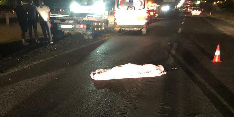 Feci kaza! Önce taksi çarptı ardından otomobil üzerinden geçti