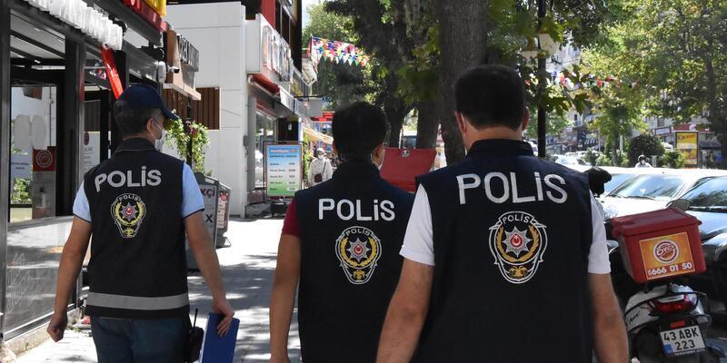 Maske takmayan 100 kişiye 90 bin TL ceza
