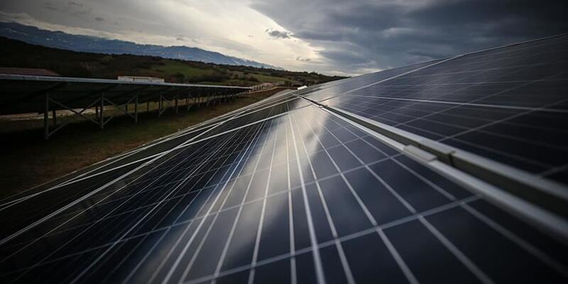 Son dakika... 'Made In Türkiye' damgalı güneş panelleri üretim bandından iniyor