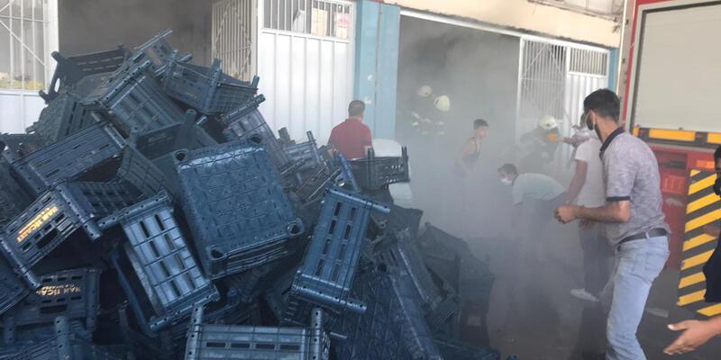 Son dakika... Diyarbakır'da Sebze ve Meyve Hali'nde yangın
