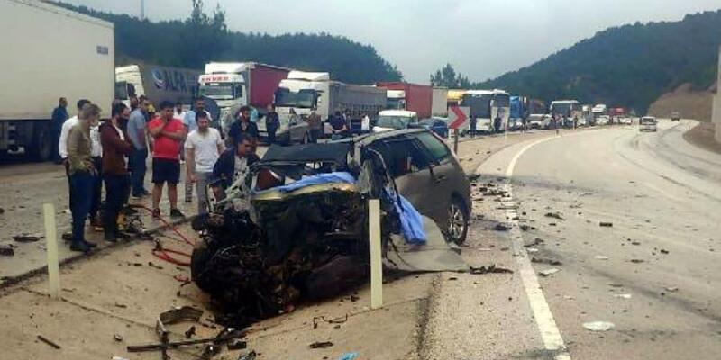 Son dakika... Tokat'ta otomobille TIR çarpıştı: 3 ölü, 5 yaralı