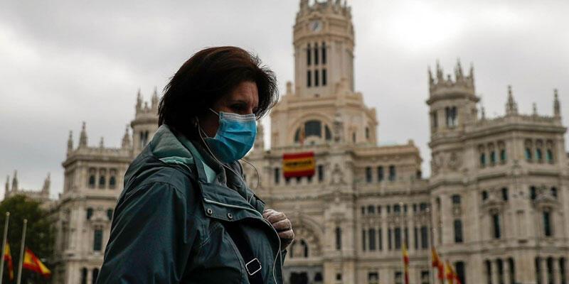 İspanya'da bir günde 9 bin 779 yeni Kovid-19 vakası açıklandı