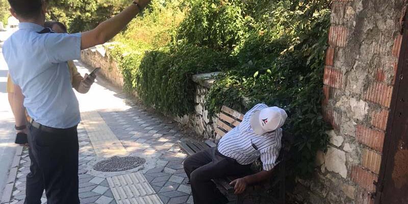 Son dakika... Bankta otururken kalp krizi geçirdi, 45 dakikalık kalp masajıyla hayata döndü