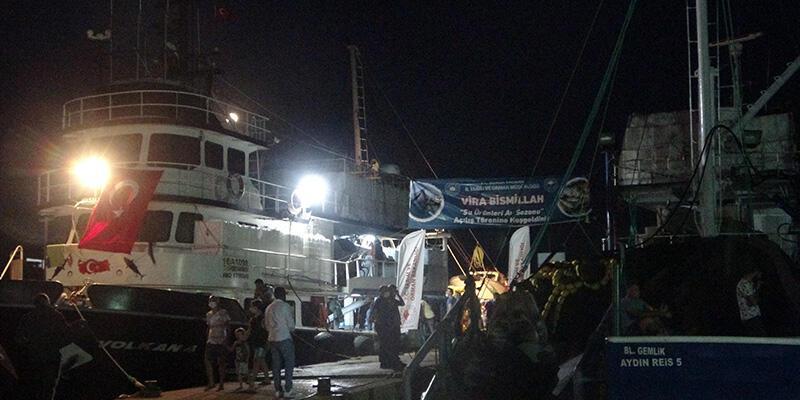 """Marmara Denizi'nde balıkçılar """"vira bismillah"""" dedi"""