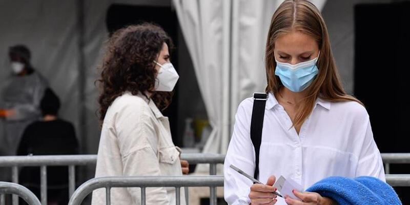 Fransa'da son 24 saatte 3 bin 82 Kovid-19 vakası tespit edildi