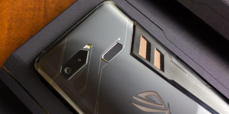 Asus Mobile eski stratejisine geri dönüyor
