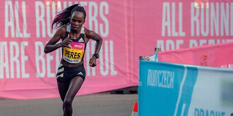 Jepchirchir yarı maratonda dünya rekoru kırdı