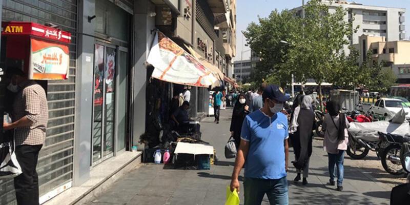 İran'da son 24 saatte 127 kişi Kovid-19'dan hayatını kaybetti