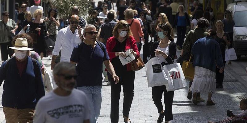 Yunanistan'da Kovid-19 günlük vaka sayısında yeni rekor
