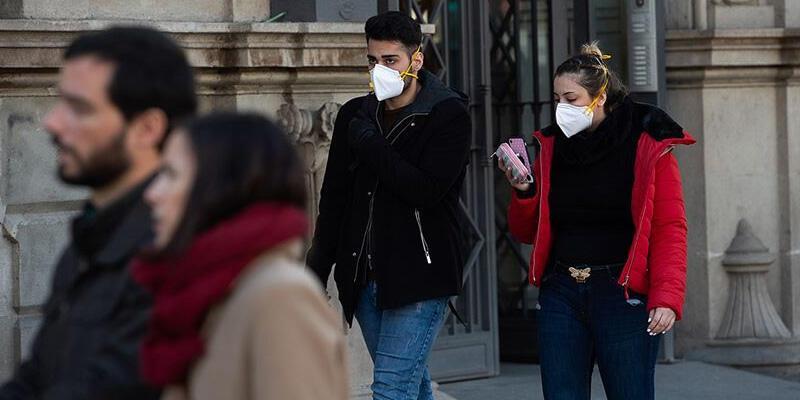 İspanya'da son 24 saatte 10 bin 764 yeni koronavirüs vakası