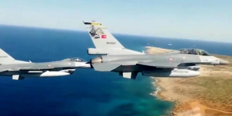 Milli Savunma Bakanlığı paylaştı: F-16'lardan KKTC'de gövde gösterisi