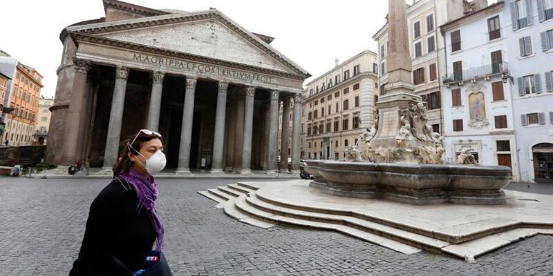 İtalya'da son 24 saatte 1585 yeni koronavirüs vakası