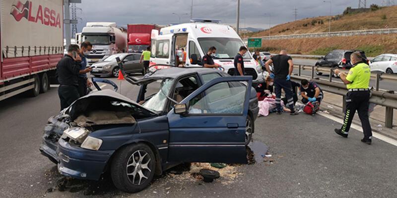 Son dakika... Anadolu Otoyolu'nda otomobil kamyona çarptı: 1 ölü, 4 yaralı