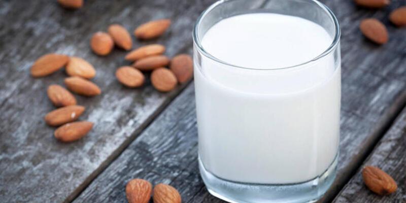 Yatmadan önce süt içmenin sağlığımıza muhteşem faydaları