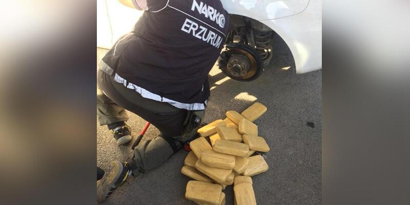 Emekli polisin aracında 61 kilo eroin bulundu