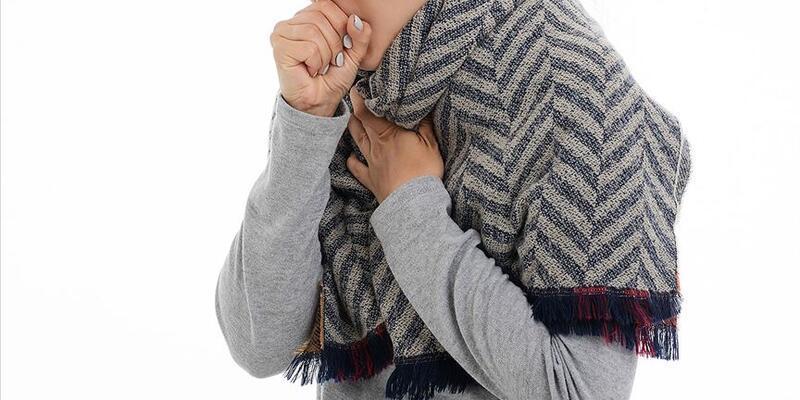 Kuru öksürük romatolojik hastalık belirtisi olabilir
