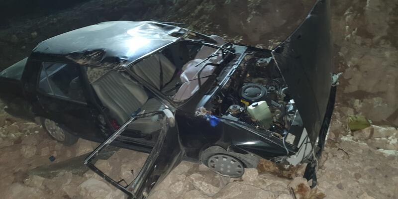 Otomobil şarampole devrildi: Çok sayıda yaralı var
