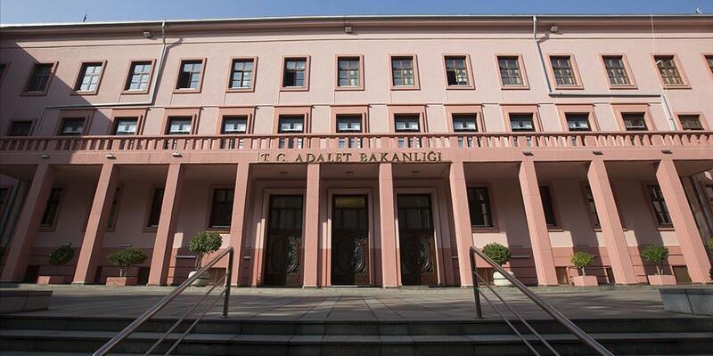 Son dakika... Adalet Bakanlığı: 289 darbe davasının 276'sı karara bağlandı