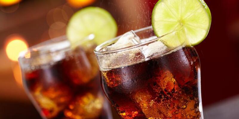 Gazlı içeceklerin zararları saymakla bitmiyor