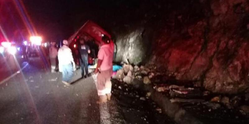 Meksika'da otobüs kazası: 13 ölü, 25 yaralı