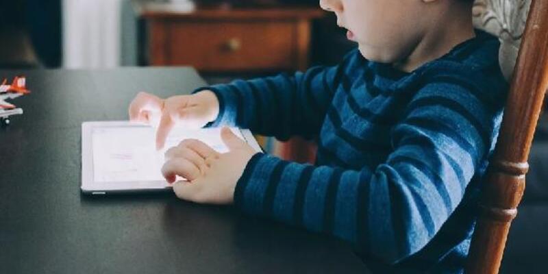 Salgın döneminde çocuklarda internet kullanımı sınırlandırılmalı