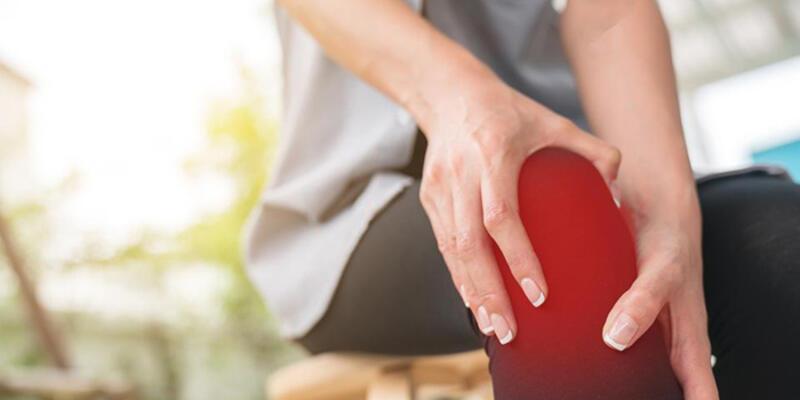 Osteoporoz Nedir? Kemik Erimesi Belirtileri Nelerdir? Tedavisi Ve Risk Faktörleri Neledir?