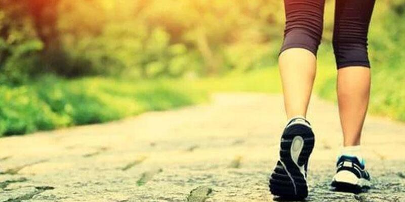 Açık havada yürüyüş yapmak Alzheimer hastalığından koruyor
